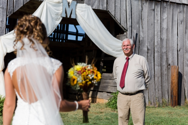 East Tennessee Wedding + Lifestyle Photographer // Jayna Watkins Photography // Knoxville, Tennessee