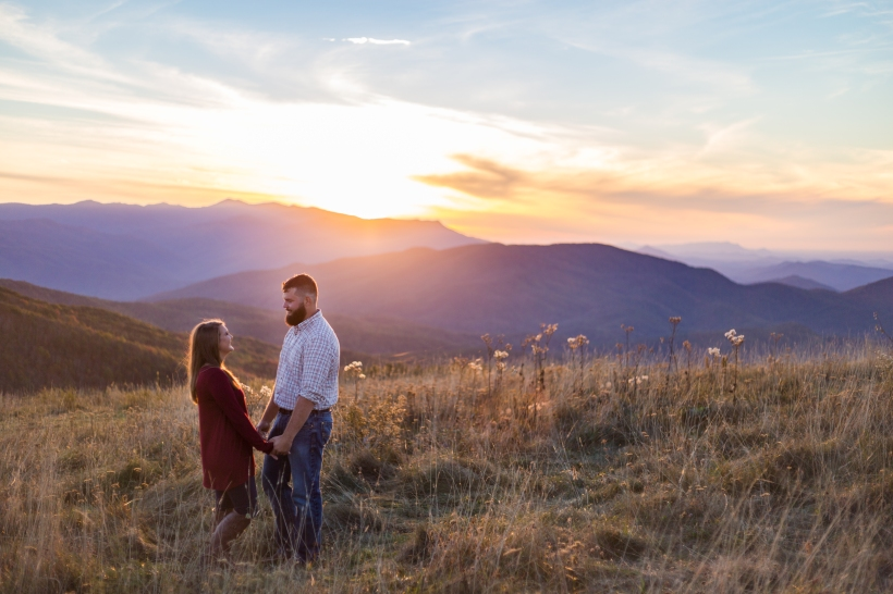 Jayna Watkins Photography // East Tennessee Wedding + Lifestyle Photographer // Knoxville, Tennessee // Max Patch Engagement Session
