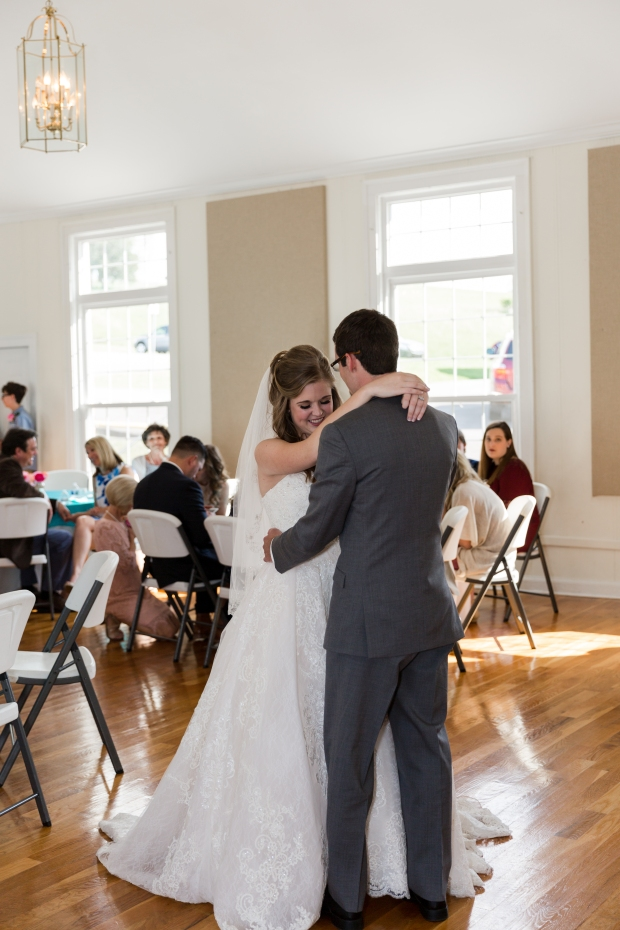 Jayna Watkins Photography // East Tennessee Wedding, Lifestyle, and Portrait Photographer // Knoxville, Tennessee // Mill Springs Baptist Church Wedding // April Spring Wedding // Classic Church Wedding // Tennessee Wedding