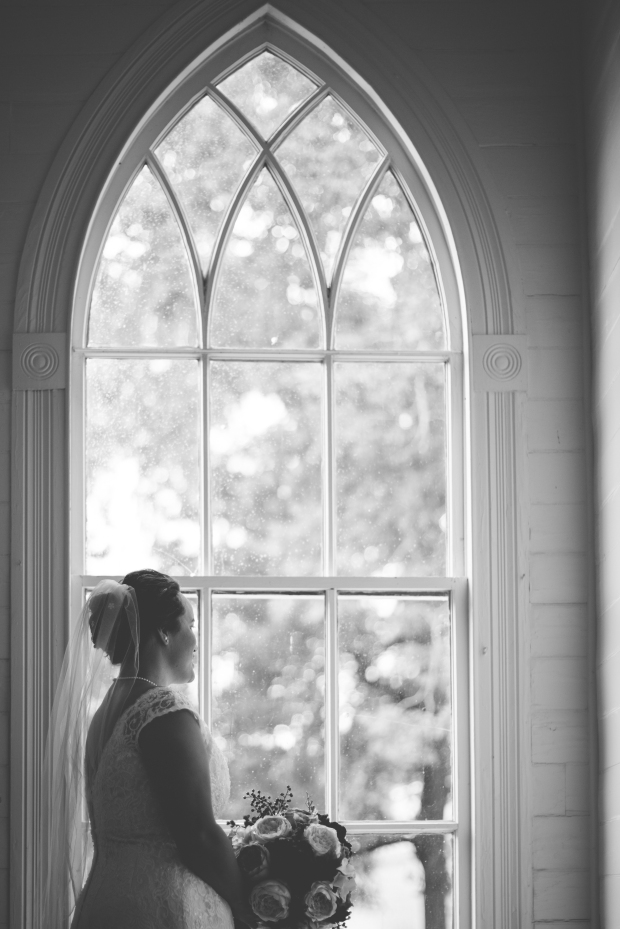 Jayna Watkins Photography / Tennessee Bride / Tennessee Engagement Session / Tennessee Wedding Photographer / Tennessee Wedding / TN Bride / TN Wedding / TN Engagement Session / Church Wedding / Tennessee Church Wedding / September Church Wedding /